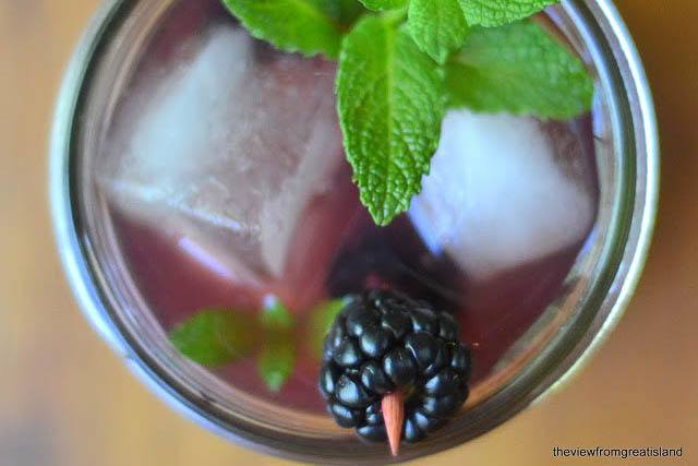 Blackberry Mojito Recipe | HeyFood — heyfoodapp.com