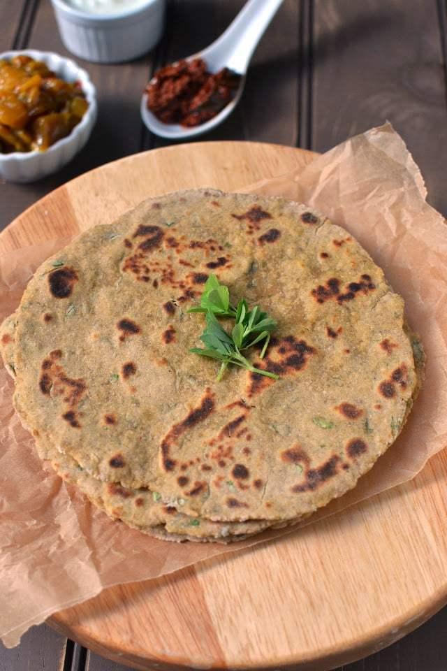 Bajra Methi na Thepla (Pearl Millet/ Sajjala Thepla) Recipe | HeyFood — heyfoodapp.com