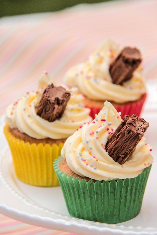 Flake 99 Cupcakes Recipe | HeyFood — heyfoodapp.com
