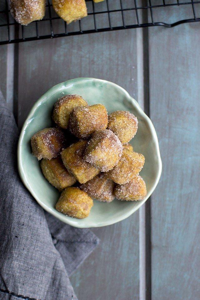 Cinnamon Sugar Pretzel Bites Recipe | HeyFood — heyfoodapp.com