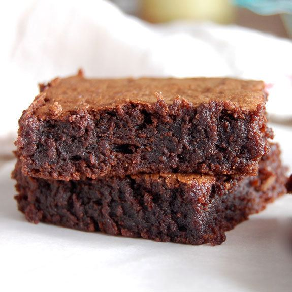The Best Fudgy Paleo Brownies Ever – Easy and Flourless Brownie Recipe | HeyFood — heyfoodapp.com