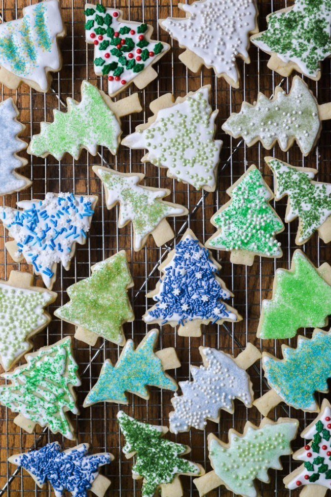 Holiday Sugar Cookies and DIY Colored Sugar Recipe | HeyFood — heyfoodapp.com