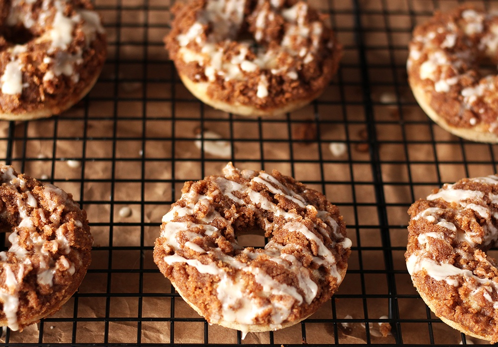 Easy Vegan Coffee Cake Donuts Recipe | HeyFood — heyfoodapp.com