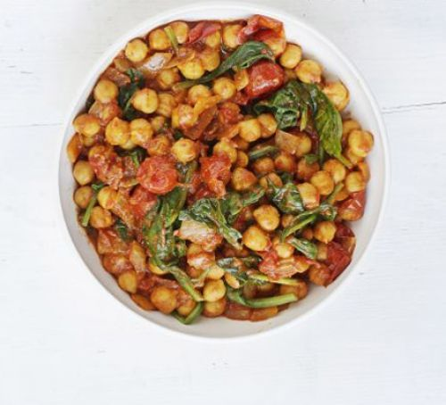 Spinach & Chickpea Curry Recipe | HeyFood — heyfoodapp.com