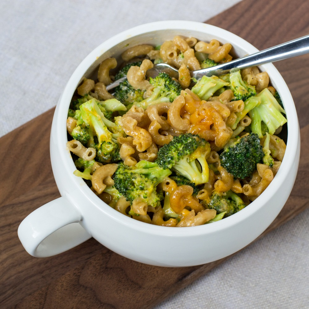 Skillet Broccoli Mac 'n' Cheese Recipe | HeyFood — heyfoodapp.com