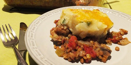 Vegetarian Shepherd's Pie With Cheese And Potato Topping Recipe | HeyFood — heyfoodapp.com