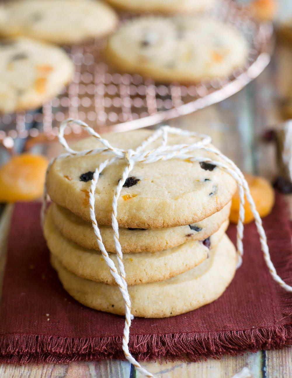 Panettone Slice and Bake Cookies Recipe | HeyFood — heyfoodapp.com