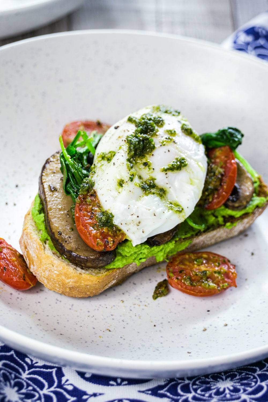 Spinach Hummus Eggs Recipe   HeyFood — heyfoodapp.com
