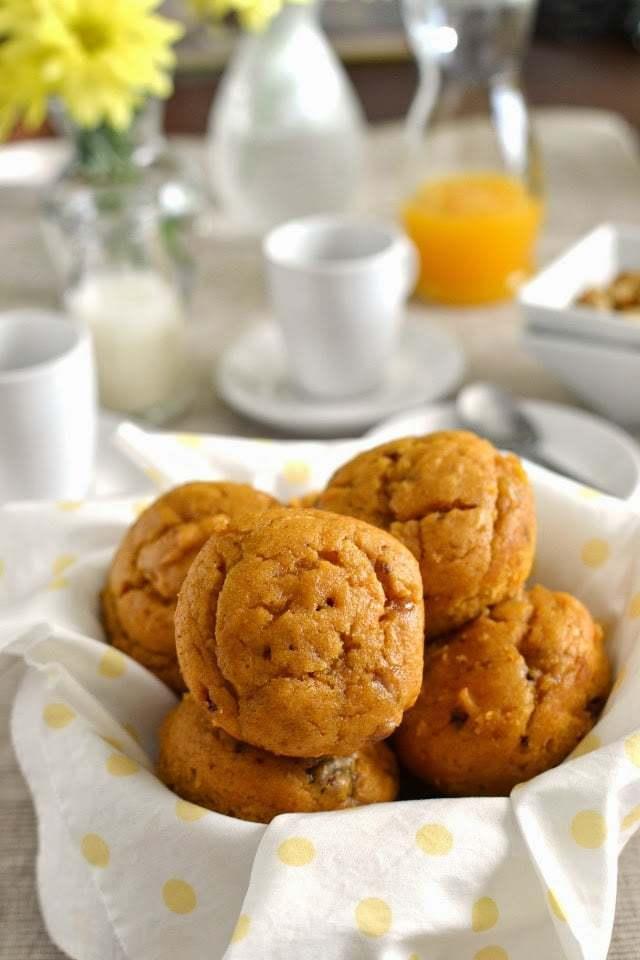 Pumpkin Cake Muffins Recipe | HeyFood — heyfoodapp.com