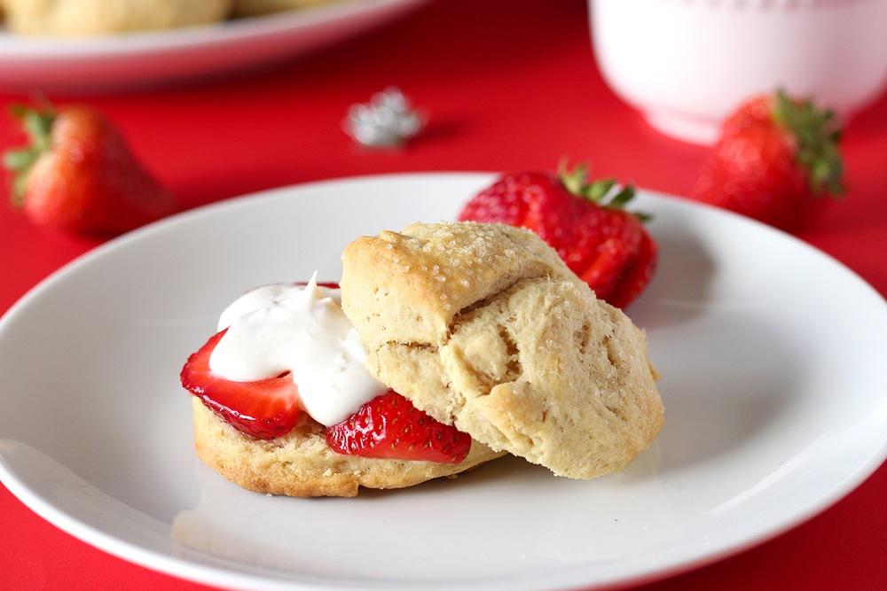 Vegan Maple Strawberry Shortcake Recipe   HeyFood — heyfoodapp.com