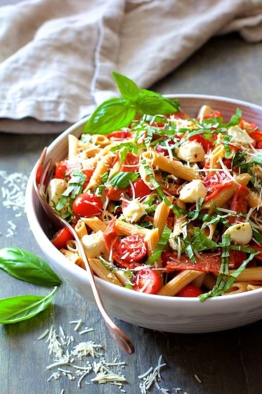 Caprese Pizza Pasta Salad Recipe | HeyFood — heyfoodapp.com