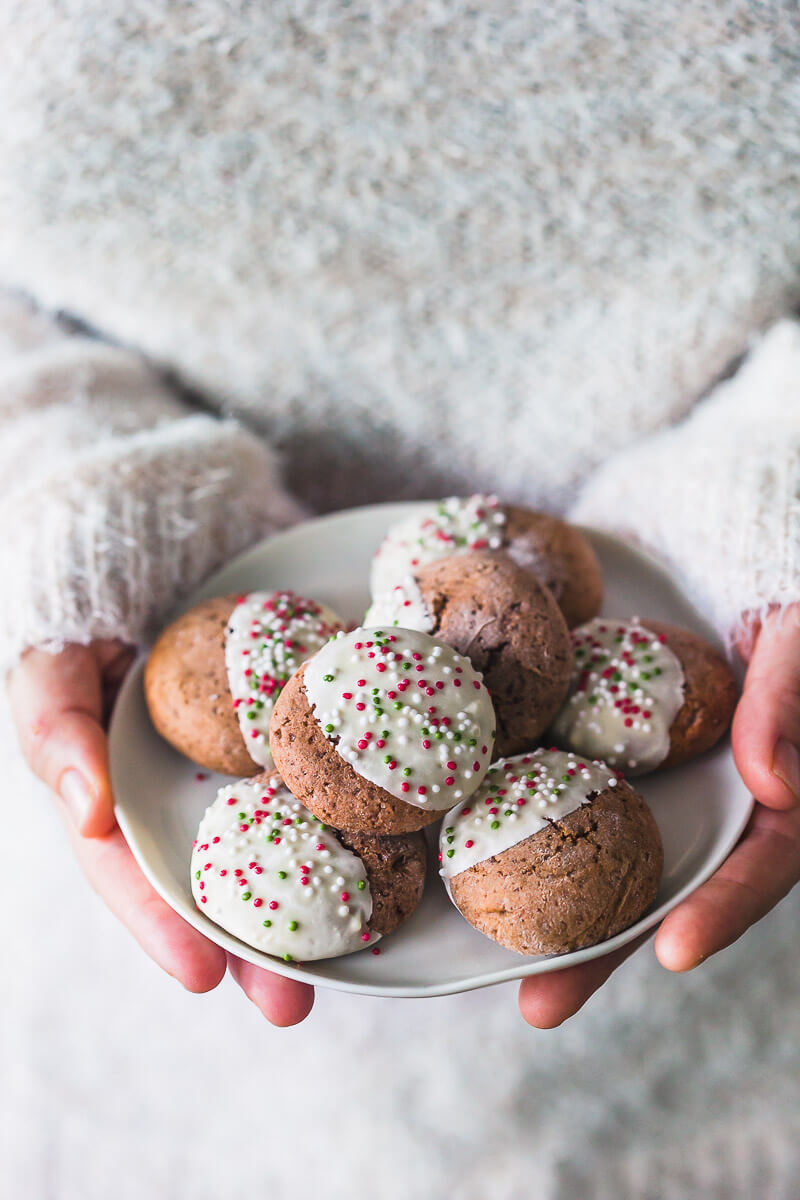 Soft Gingerbread Cookies with White Chocolate Recipe | HeyFood — heyfoodapp.com