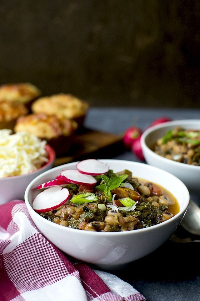 Black eyed Peas and Kale Chili Recipe | HeyFood — heyfoodapp.com