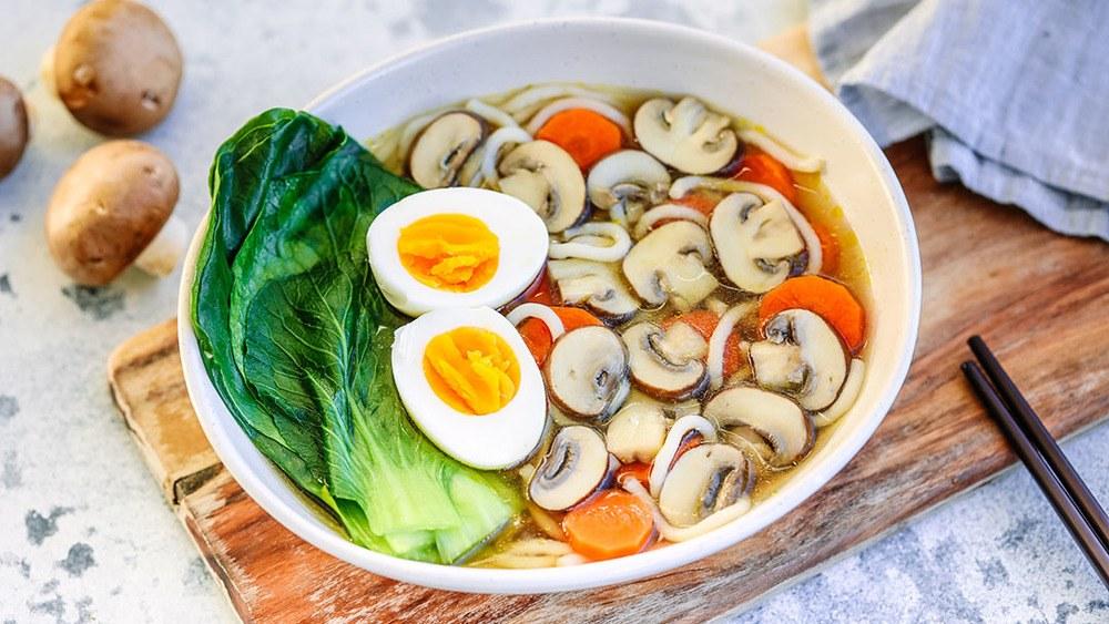 Speedy Mushroom Ramen Recipe | HeyFood — heyfoodapp.com