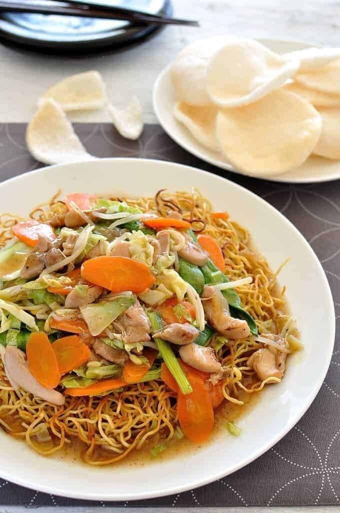 Crispy Noodles With Chicken Recipe | HeyFood — heyfoodapp.com