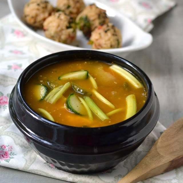 Korean Miso Soup Recipe | HeyFood — heyfoodapp.com