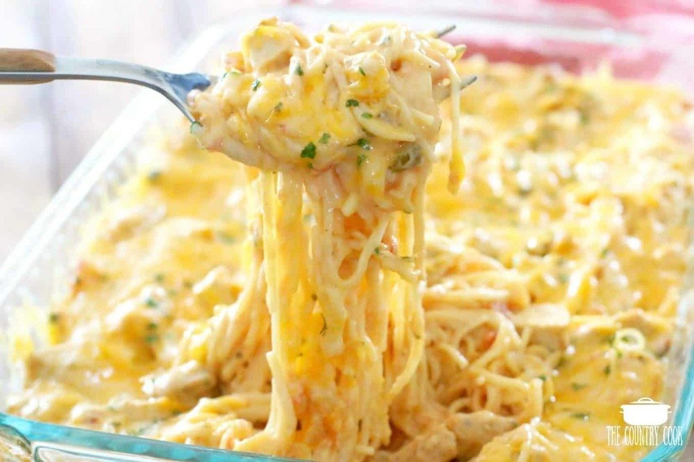 THE BEST CHICKEN SPAGHETTI Recipe | HeyFood — heyfoodapp.com