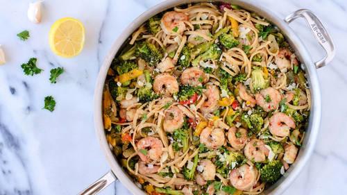 Shrimp with Garlic, White Wine and Linguini Recipe   HeyFood — heyfoodapp.com