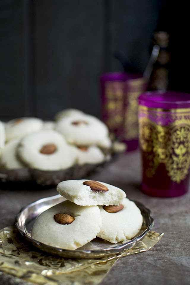 Egyptian Ghorayebah or Ghreybeh Cookies Recipe | HeyFood — heyfoodapp.com
