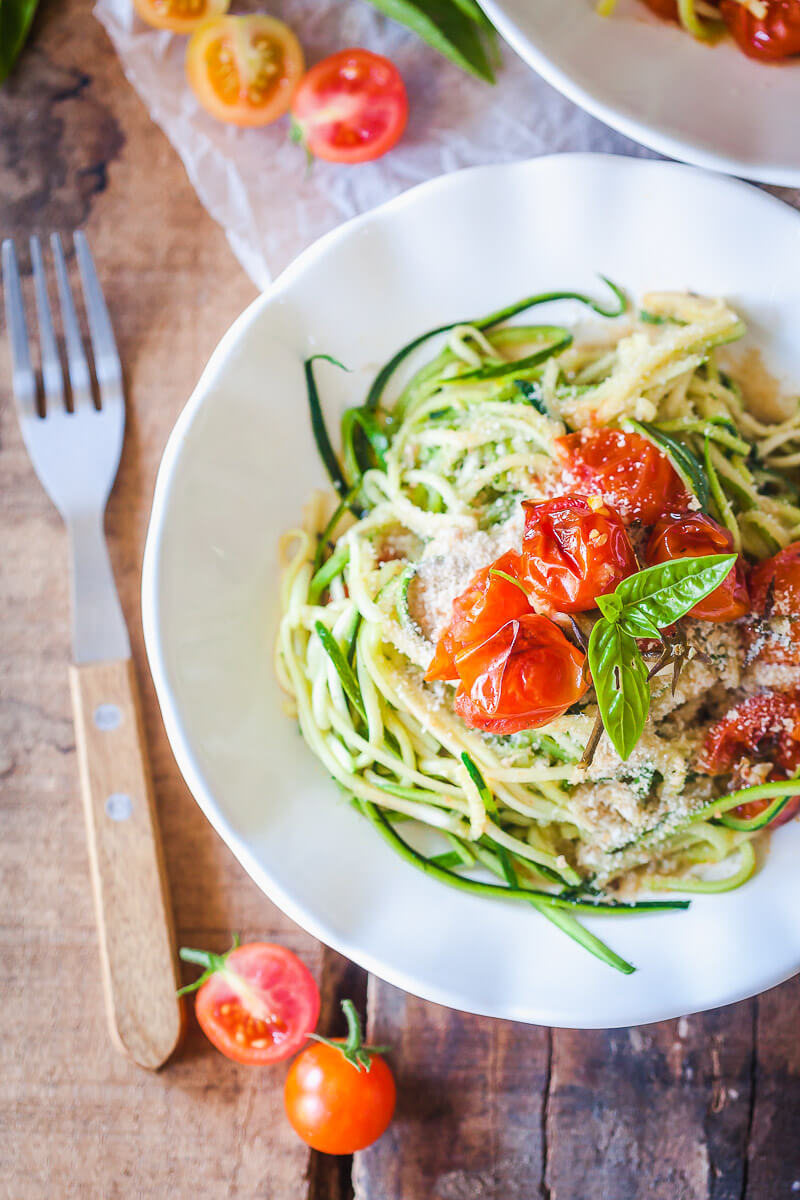 Low-Carb Cherry Tomato Zucchini Noodles {Zoodles} Recipe | HeyFood — heyfoodapp.com