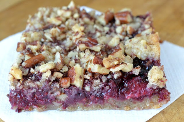 Blackberry Pecan Crumble Squares Recipe | HeyFood — heyfoodapp.com