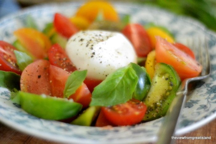 Tomato Burrata Salad Recipe | HeyFood — heyfoodapp.com