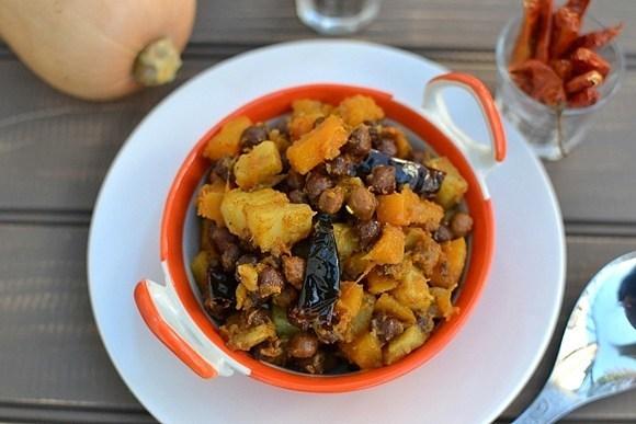 Bengali Butternut Squash & Chickpea Curry (Kumror Chakka) Recipe | HeyFood — heyfoodapp.com